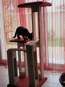Arbre A Chat En Palette : arbre a chat en palettes bois et tissus de r cup bricolage palette cats et palette ~ Melissatoandfro.com Idées de Décoration