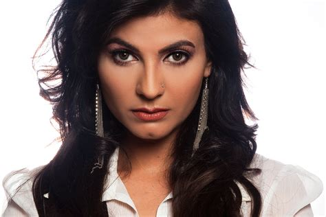 Top 10 Best Pakistani Female Singers Of All Time