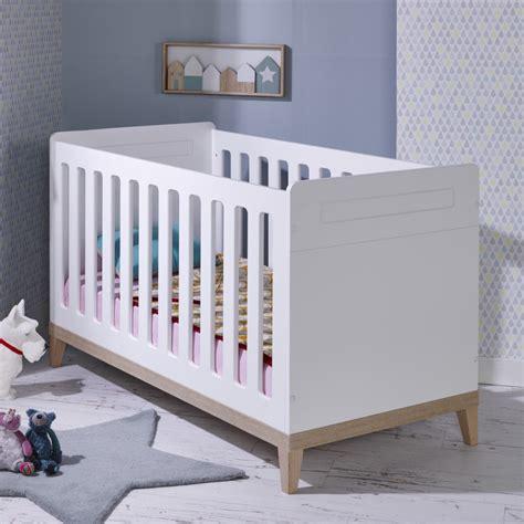 chambre bébé bois massif lit bebe evolutif 70x140 siki blanc sikiblcm01b