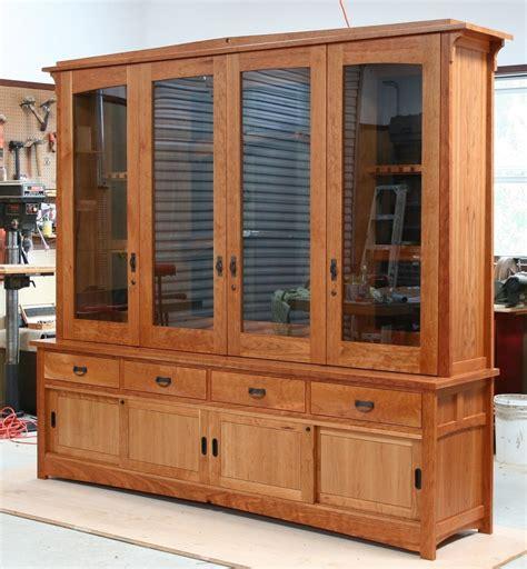 hand  tally gun cabinet  white wind woodworking