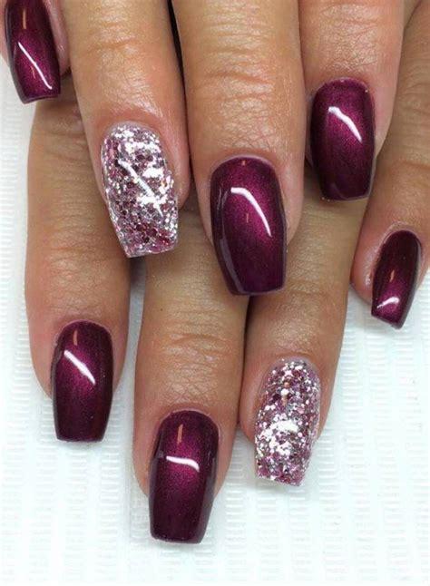 word  manicure    dip powder  nails