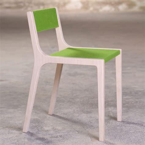 chaise bois gris chaise sepp en bois et feutre gris sirch mobilier
