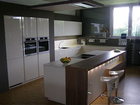 Küche L Form Mit Kochinsel by L K 252 Che Mit Kochinsel Sch 246 N Leicht Musterk 252 Che Gro 223 E