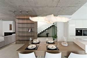 Hängelampe Selber Machen : betonwand selber machen essbereich wohnbereich h ngelampe kochinsel couch regalwand esstisch ~ Frokenaadalensverden.com Haus und Dekorationen