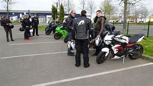 Moto Et Motard : motard et sa moto ~ Medecine-chirurgie-esthetiques.com Avis de Voitures