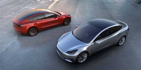 Elon Musk Announces $35,000 Tesla Model 3 Askmen