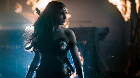 Gal Gadot Wonder Woman Justice League Wallpapers Hd