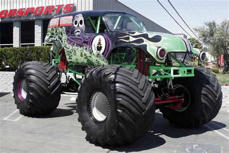 videos de monster trucks wallpapers semana161 monster truck 6 lista de carros