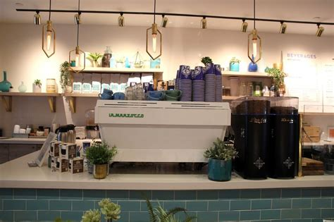 Here are 12 coffee shops in nyc to stop for your daily dose of caffeine, no matter what neighborhood you're in, from downtown to uptown, and everywhere in between. The NYC Caffeine Chronicles: Financial District Coffee ...
