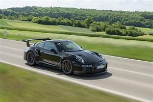 Porsche 911 Gt2 Rs 2017 : this is the new 700hp porsche 911 gt2 rs is it better than the beloved gt3 rs moto networks ~ Medecine-chirurgie-esthetiques.com Avis de Voitures