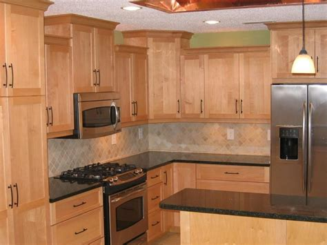 maple kitchen cabinets with quartz countertops countertops for maple cabinets maple cabinets quartz