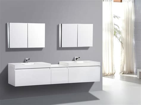 Beautiful Modern Bathroom Decors With Wall Mounted Mirror