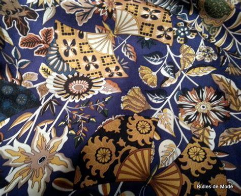 au bureau carré de soie un nouveau carré de soie hermès au musée des tissus de