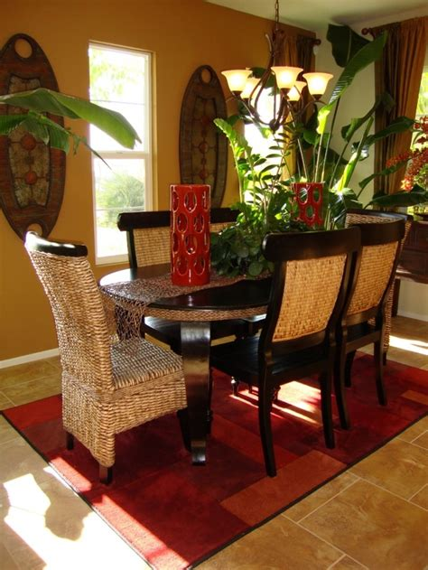 Dining Room With Tropical Interior Decoration Ideas