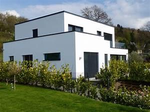 Einfamilienhaus Mit Garage : einfamilienhaus mit flachdach bauunternehmen elberskirch ~ Lizthompson.info Haus und Dekorationen