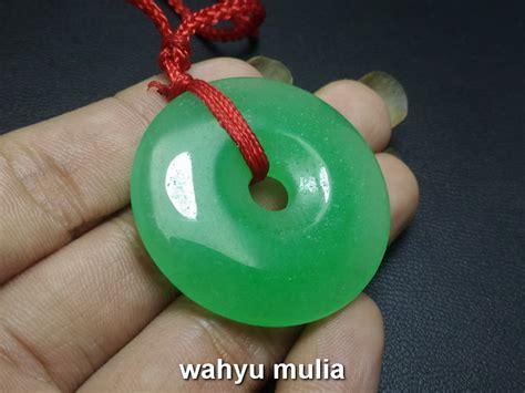 kalung batu giok jade hijau bulat asli kode 676 wahyu mulia