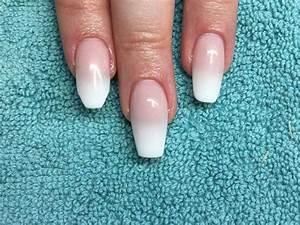 Déco French Manucure : forme ongle ballerine ou cercueil la tendance est la d co en couleur blanche ~ Farleysfitness.com Idées de Décoration