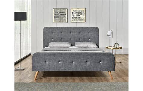 lit tissu gris style scandinave avec t 234 te de lit natt