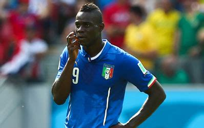 Balotelli Sort Le Fusil à Pompe Pour Les Haters ! [photo]