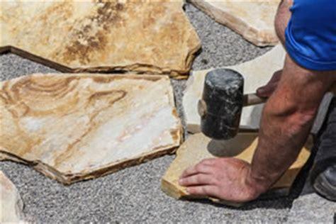 wo terrassenplatten schneiden lassen anleitung zum verlegen terrassenplatten