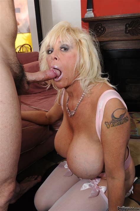 Big Tittied Granny Shelly Gets Fucked Pornhugocom