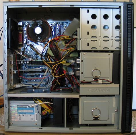 File:Silent PC-Antec P180.JPG - Wikimedia Commons