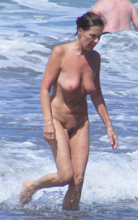 Beach Voyeur Nudist Woman Full Frontal Mature April
