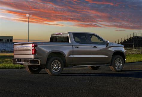 2019 Chevrolet Silverado Unveiled, Drops 450 Pounds, Gains