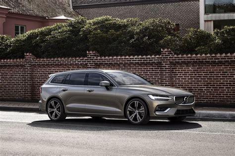 Semiautonomous Wagon Vehicles  2019 Volvo V60