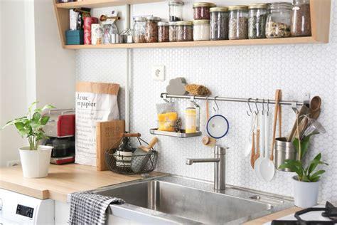 etageres pour cuisine idées déco cuisine crédence et étagère ouverte