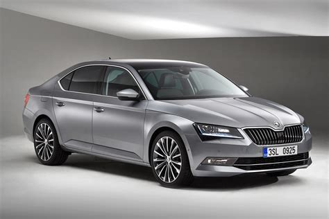 skoda superb 2015 the motoring world 2015 skoda superb se business adds new kit at no cost what s not to like
