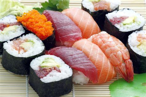 4 sushi restaurants go go