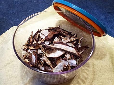 comment cuisiner les bolets comment sécher les cèpes et bolets la recette facile par