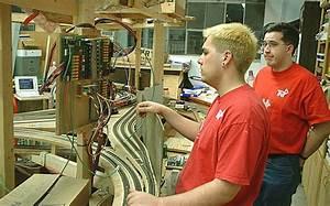 Trick Train  Model Railroad Wiring