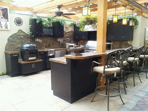 Outdoor Kitchen Backsplash by Outdoor Kitchen Cabinets Search House