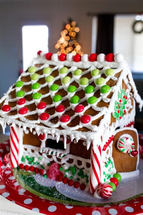 stress  tips  making  christmas gingerbread house