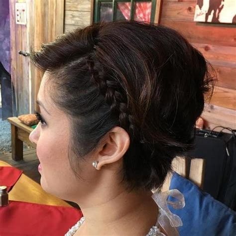 etonnante coiffure courte avec des tresses tressees