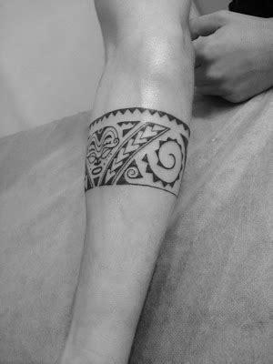 toop tattoo tatuaje brazalete maori en freehand alicante