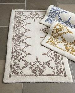 Tapis Essuie Pied : stunning cheap on vous pruesente le tapis de salle de bain en images with tapis de bain rond ~ Teatrodelosmanantiales.com Idées de Décoration