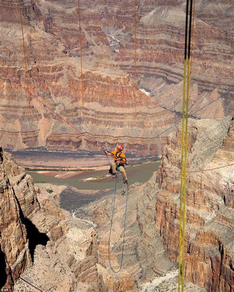 Glass Skywalk Grand Canyon