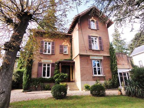 chambre de charme avec belgique maison de charme avec 6 chambres et piscine à ecully