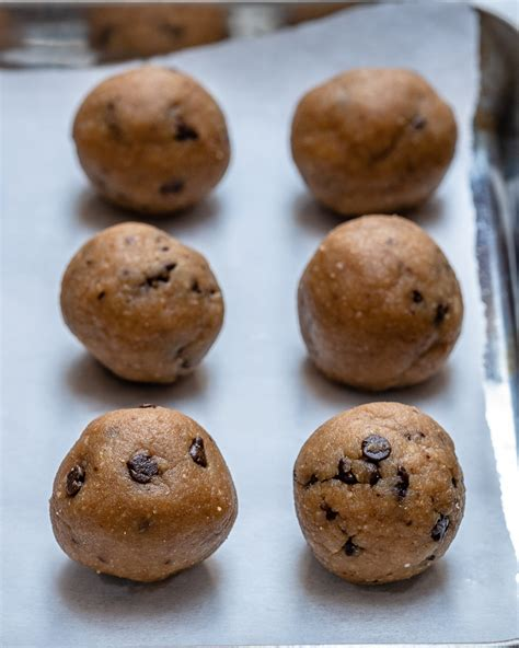 These Chocolate Chip Cookie Dough Balls Are Epic Clean