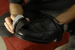 Cirer Des Chaussures : entretien chaussure comment cirer ses chaussures ~ Dode.kayakingforconservation.com Idées de Décoration