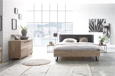 Bett Industrial Style by Bett Industrial Style Home Ideen