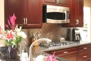 kitchen backsplash ideas for cherry cabinets