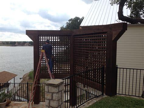 Backyard Screens by Cedar Privacy Screens For A Backyard Retreat