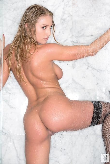 Cute Traci Denee Posing Nude Under The Warm Shower During