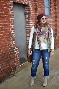 Best 25+ Tattered jeans ideas on Pinterest   Hot pink shoes Diy tattered jeans and Pink blazer ...