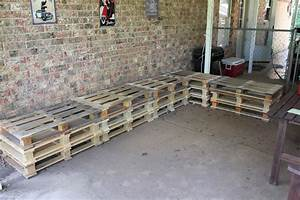 Diy outdoor patio furniture from pallets for Homemade lawn furniture