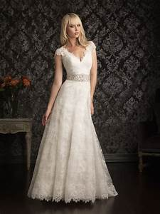 Vintage inspired lace wedding dresses for the luxurious for Vintage inspired wedding dresses lace